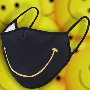 SMILEY Face Mask